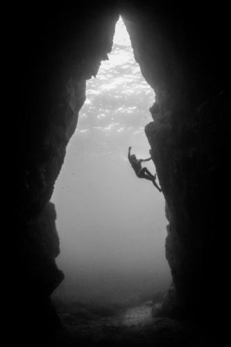 corsica_cave_climbing