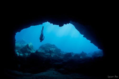 freedive_cave